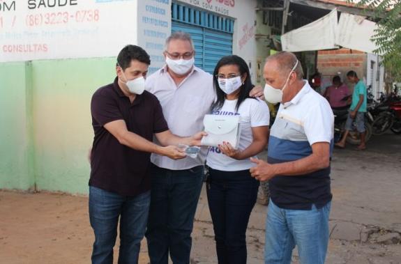 Sec. de Planejamento Breno Silveira e Vice- prefeito Gilson Moura e autoridades